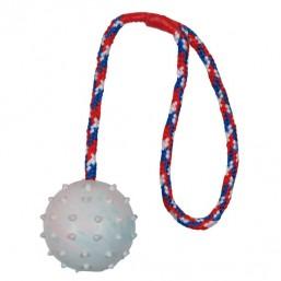 Trixie Tопка с въже , естествен каучук 6 см.